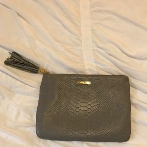 GiFi New York clutch in grey embossed python